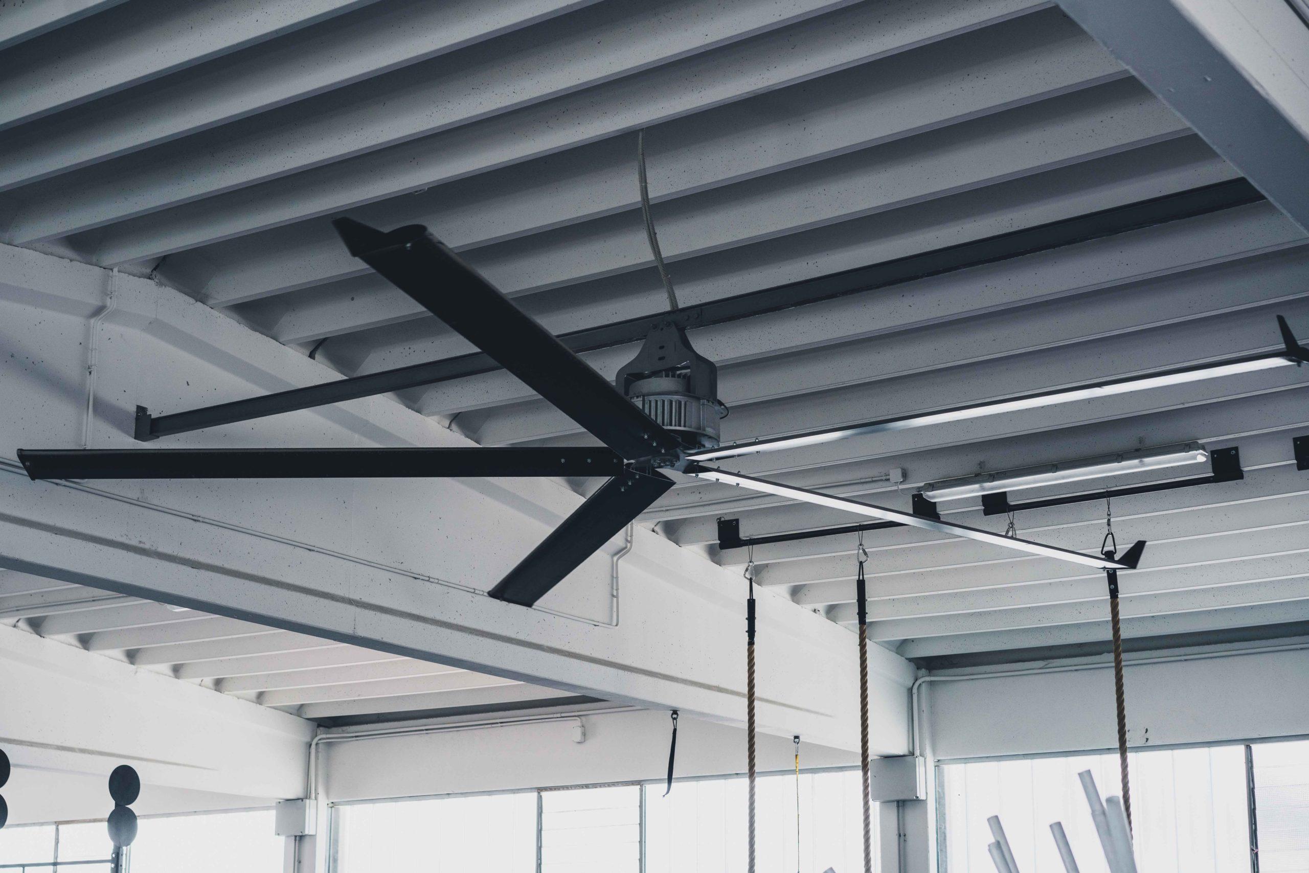 Optimvent® - Los mejores Ventiladores Industriales HVLS de techo - Ventiladores HVLS Optimvent - HVLS OptimVent scaled - Optimvent® - Los mejores Ventiladores Industriales HVLS de techo