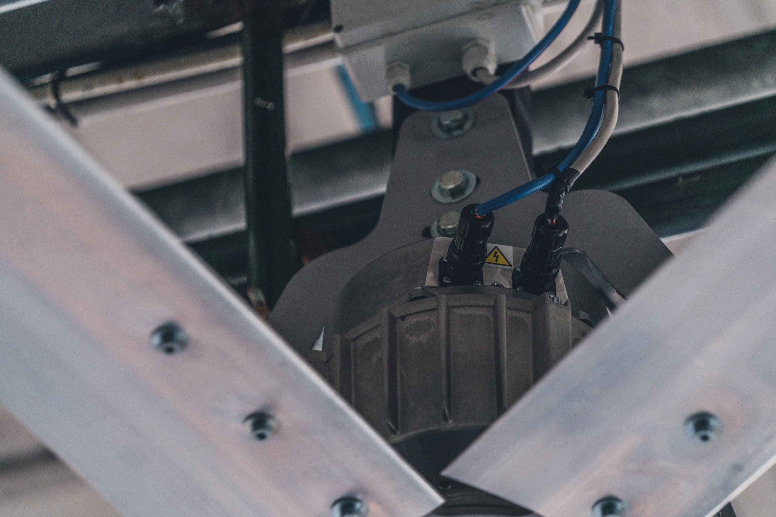 Optimvent® - Los mejores Ventiladores Industriales HVLS de techo - Ventiladores HVLS Optimvent - ventilator OptimVent scaled - Optimvent® - Los mejores Ventiladores Industriales HVLS de techo